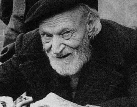 Figura 8.1 - A fianco il poeta e scrittore Giuseppe Ungaretti (1888 - 1970). Tra le operazioni più frequenti, comuni a scienza e poesia, vi sono gli studi e le riflessioni sugli stati d'animo. Nelle sue opere si ritrova una coerente e inesausta riflessione sulla natura e sull'Io
